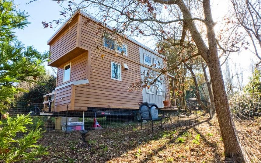 Worldwide travel unique caravans for Smallhouse weberhaus