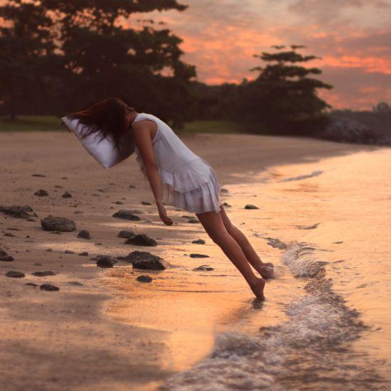 Kylie Woon fotografia photoshop surreal solidão melancolia Dormindo