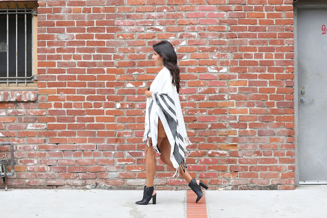how to wear a cape, fringe cape, nordstrom anniversary sale style, fall fashion, suede skirt