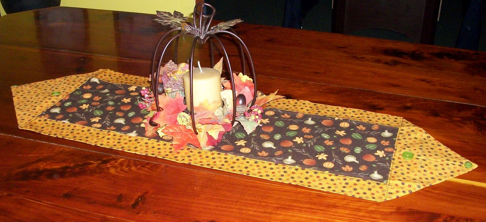 Keeping it simple 10 minute tablerunner for 10 min table runner