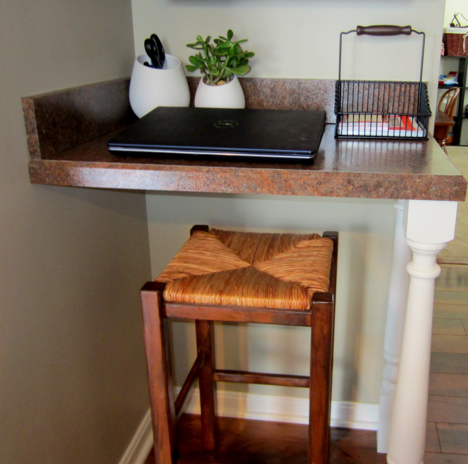 My Little Black Sweats: Mini-kitchen Addition DIY