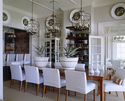 Fleur de londres modern and bling y or classic and stately theres no shortage to the versatility of these lavish light fixtures here are eight gorgeous chandeliers aloadofball Choice Image