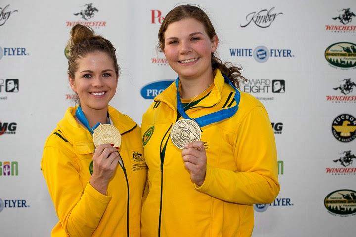 Australianas, Laetisha Scanland (ouro) e Catherine Skinner (bronze), dominam o pódio da Fossa Olímpica na abertura da Copa do Mundo em Tucson - Foto: Reprodução/ ISSF