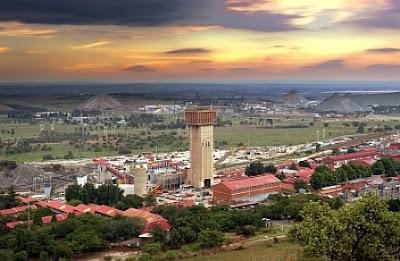 West Wits, Afrika Selatan | www.wizyuloverz.com