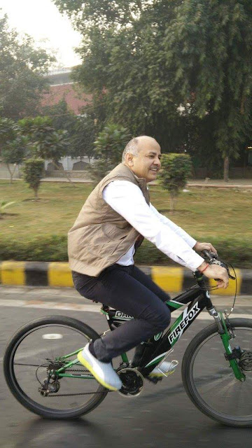 Delhi Deputy CM Manish Sisodia kept his word and took a cycle to office on Saturday, the second of the odd/even traffic rule.  On Friday, Sisodia had said he had an odd number car and would cycle his way to office on the even number days.