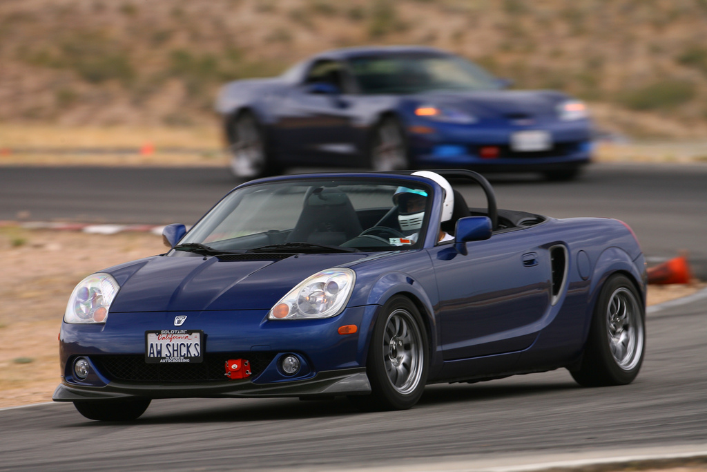 Toyota MR2, MK3, roadster, japoński sportowy samochód, wygląd, zdjęcia, tor wyścigowy, niebieska, z przodu