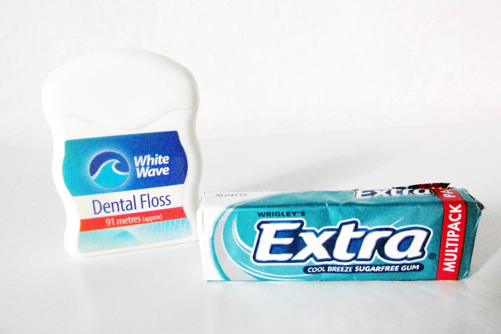 oral health, oral healthcare, keeping your teeth clean, whiten your teeth, top tips for healthy teeth, top tips for a healthy mouth, dentyl active review, colgate max white one optic review, CB12 review, wrigleys extra sugar free gum
