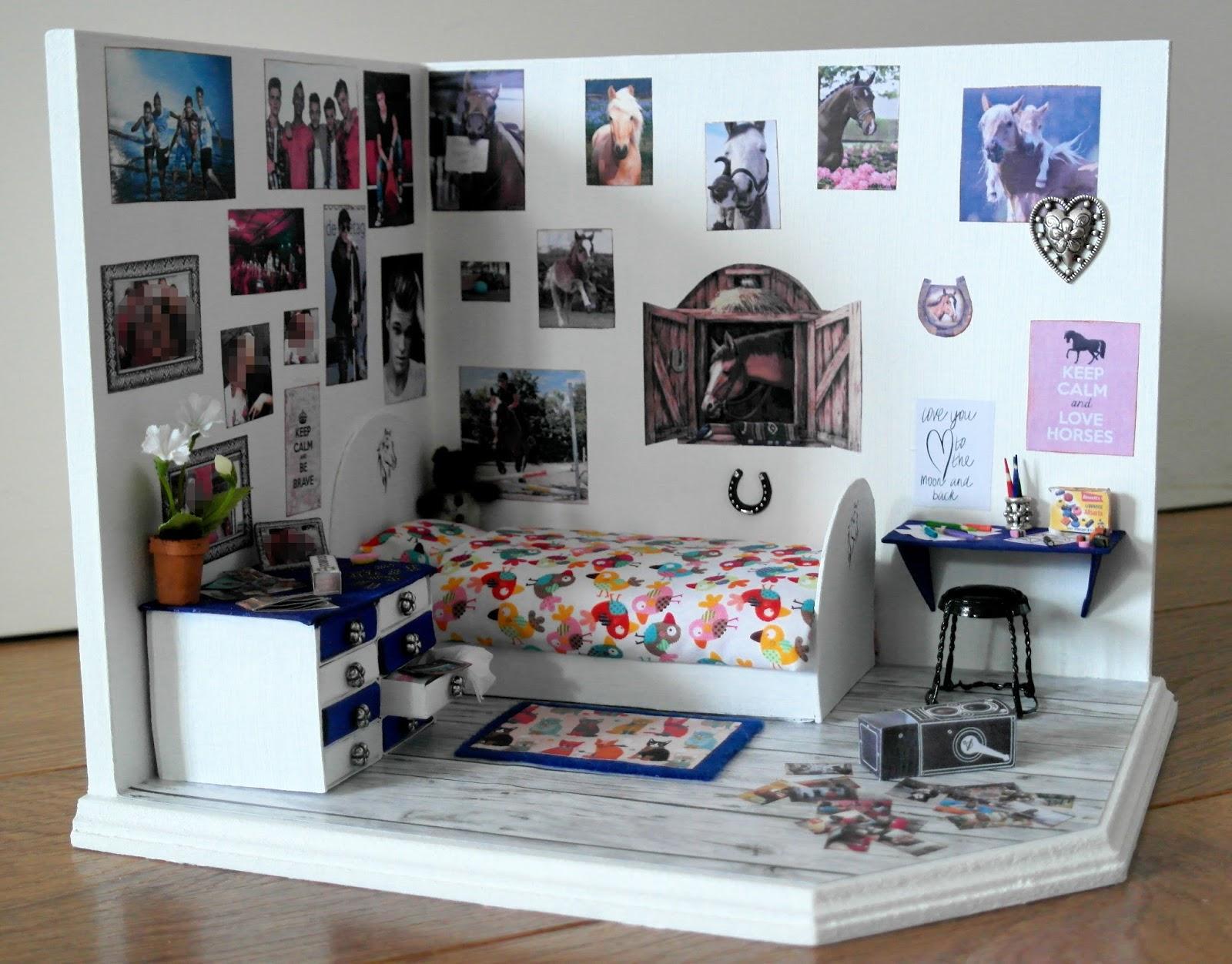 All about dollhouses and miniatures miniatuur tiener slaapkamer gemaakt schaal 1 12 - Schilderij slaapkamer tiener meisje ...
