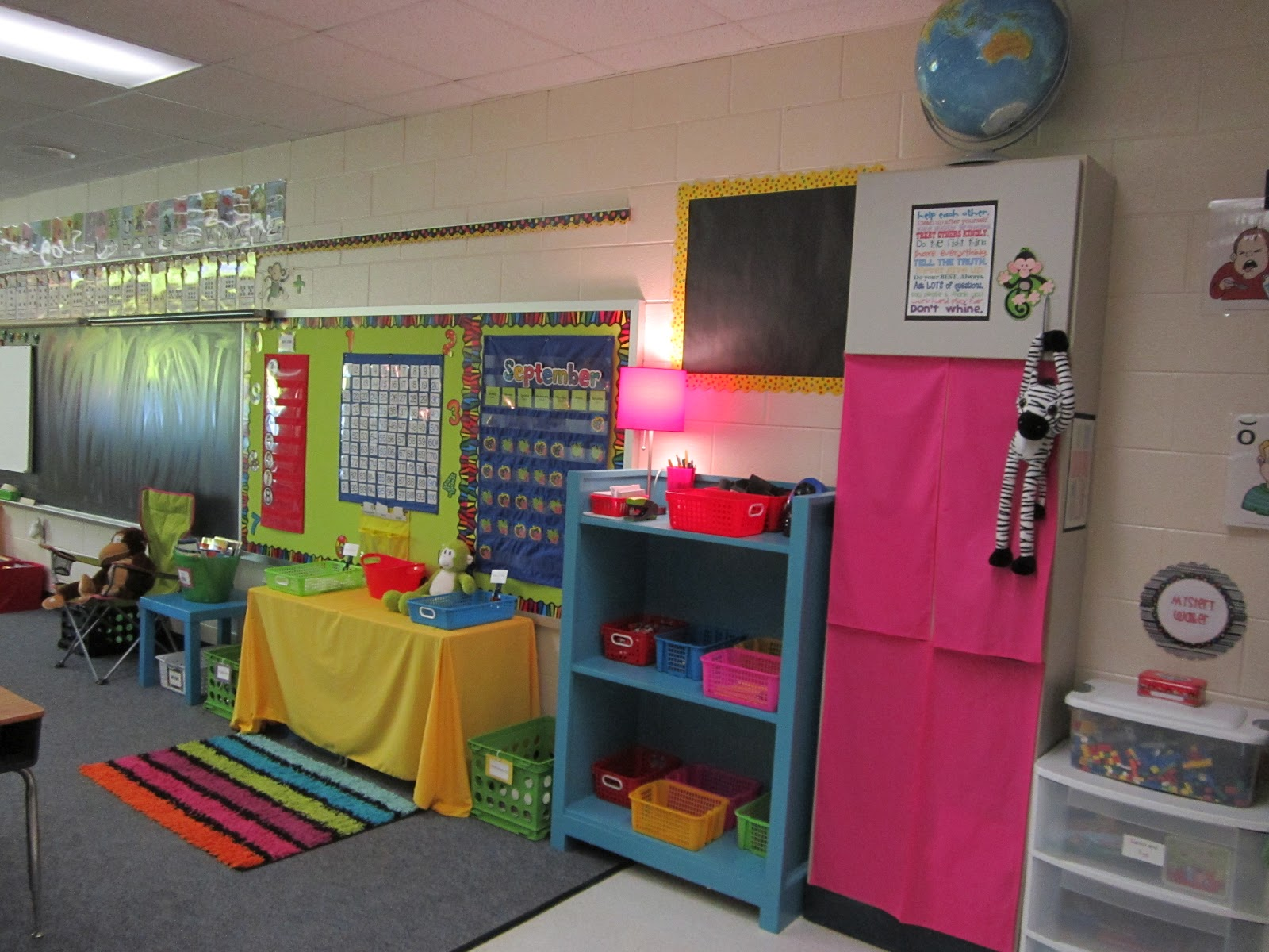 Classroom Workstation Ideas ~ What happens in first grade classroom photo tour