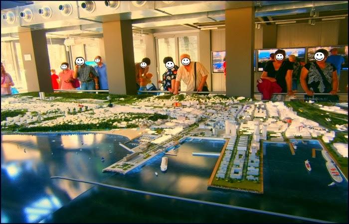 Obraz:  makieta Gdynii w centrum Gdynii Infokiosk