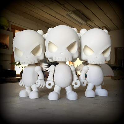 The Skullhead Blank v1.0 Resin Figure by Huck Gee - On Sale Today!