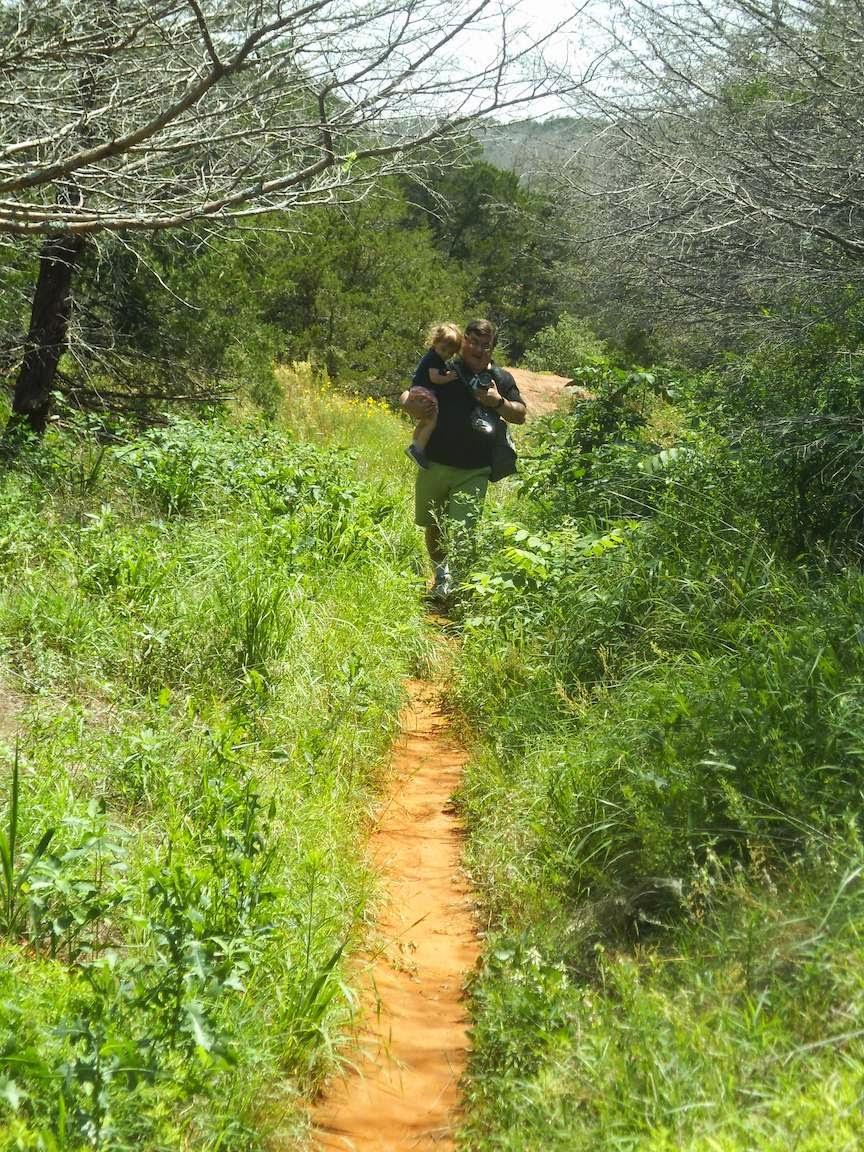 http://1.bp.blogspot.com/-wHKnKF6gUco/U-RtJEyks2I/AAAAAAAACoQ/Hsia1rXuOnM/s1600/trail-hike.jpg