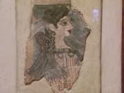 Knossos'tan ünlü bir duvar boyası parçası ('Parisli hanım' adı verilmiş)