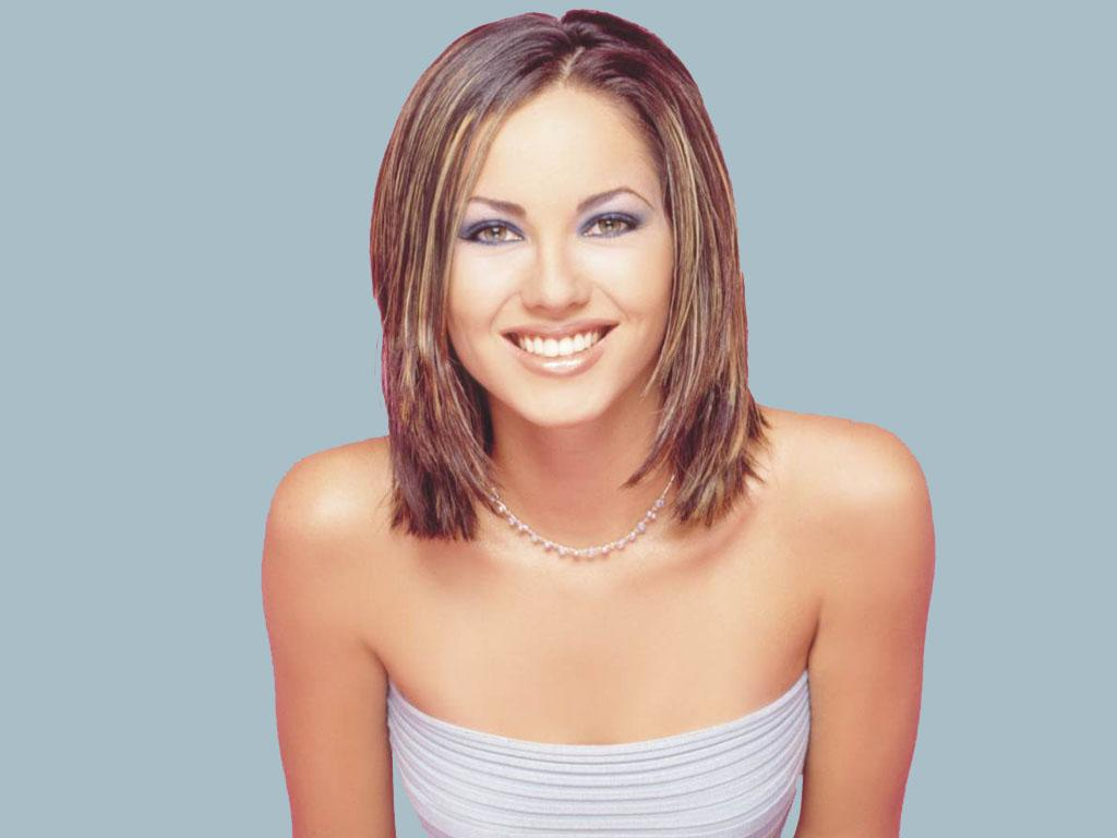 http://1.bp.blogspot.com/-wHhqQ5wDL-k/TYjJilT8vhI/AAAAAAAALYs/uw490R-o2xw/s1600/Mexican_actress_barbara_mori_wallpapers%2B%25285%2529.jpg