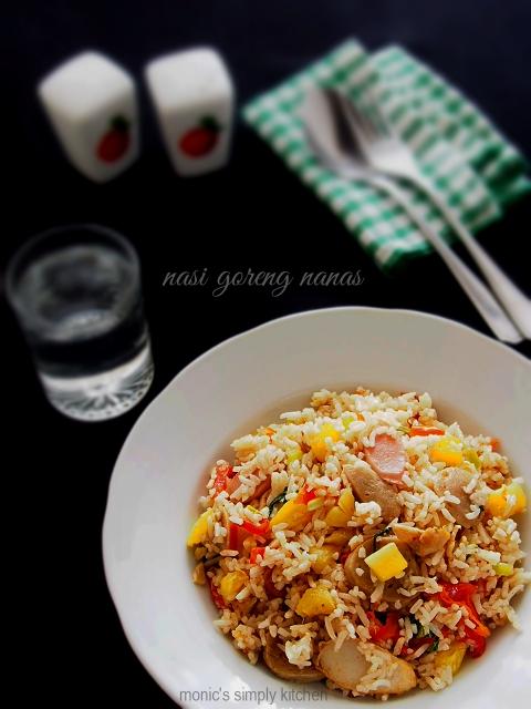 nasi goreng nanas ala thai