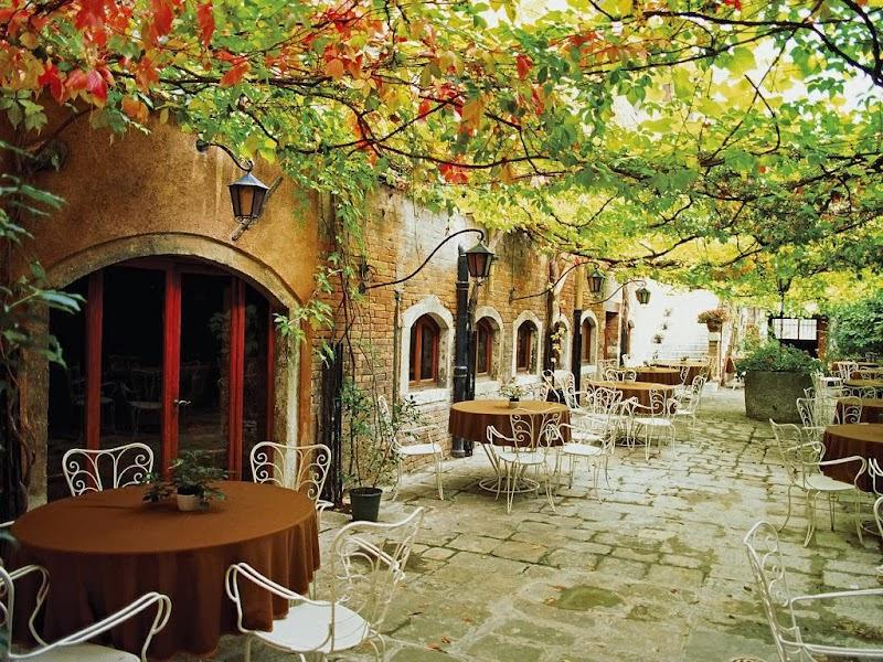 C'est de toute beauté : sites et lieux magnifiques de notre monde. Dining+Alfresco,+Venice,+Italy