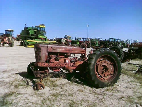 EQ-22858 International Farmall M