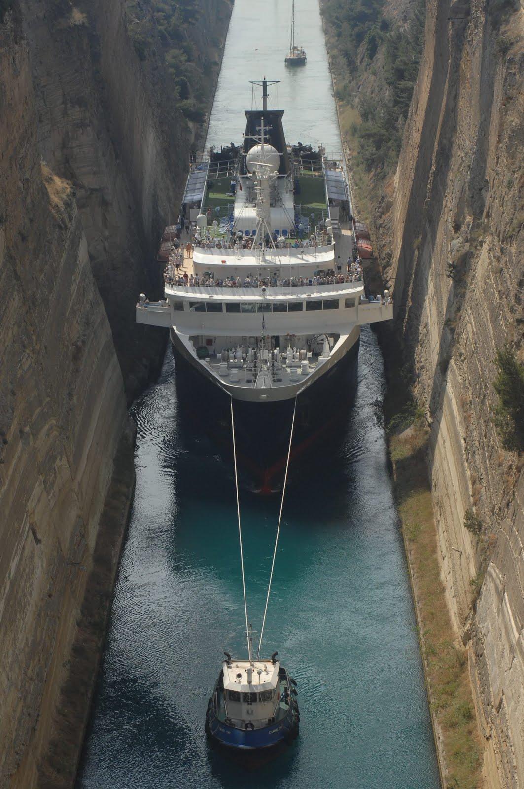 Traveloscopy Travelblog Greece Corinth Canal No Shortcut