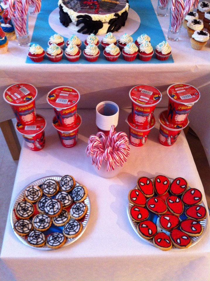Sweet table th me spiderman le candy bar - Deco anniversaire spiderman ...