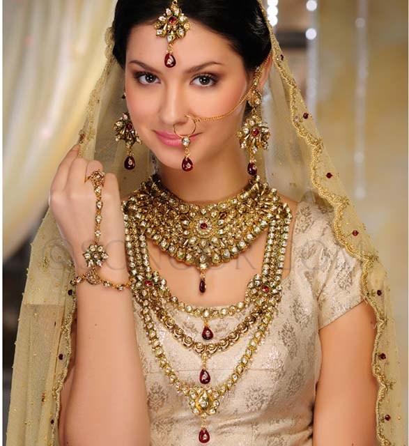 Latest Design Bridal Jewelry Fashion 2013-
