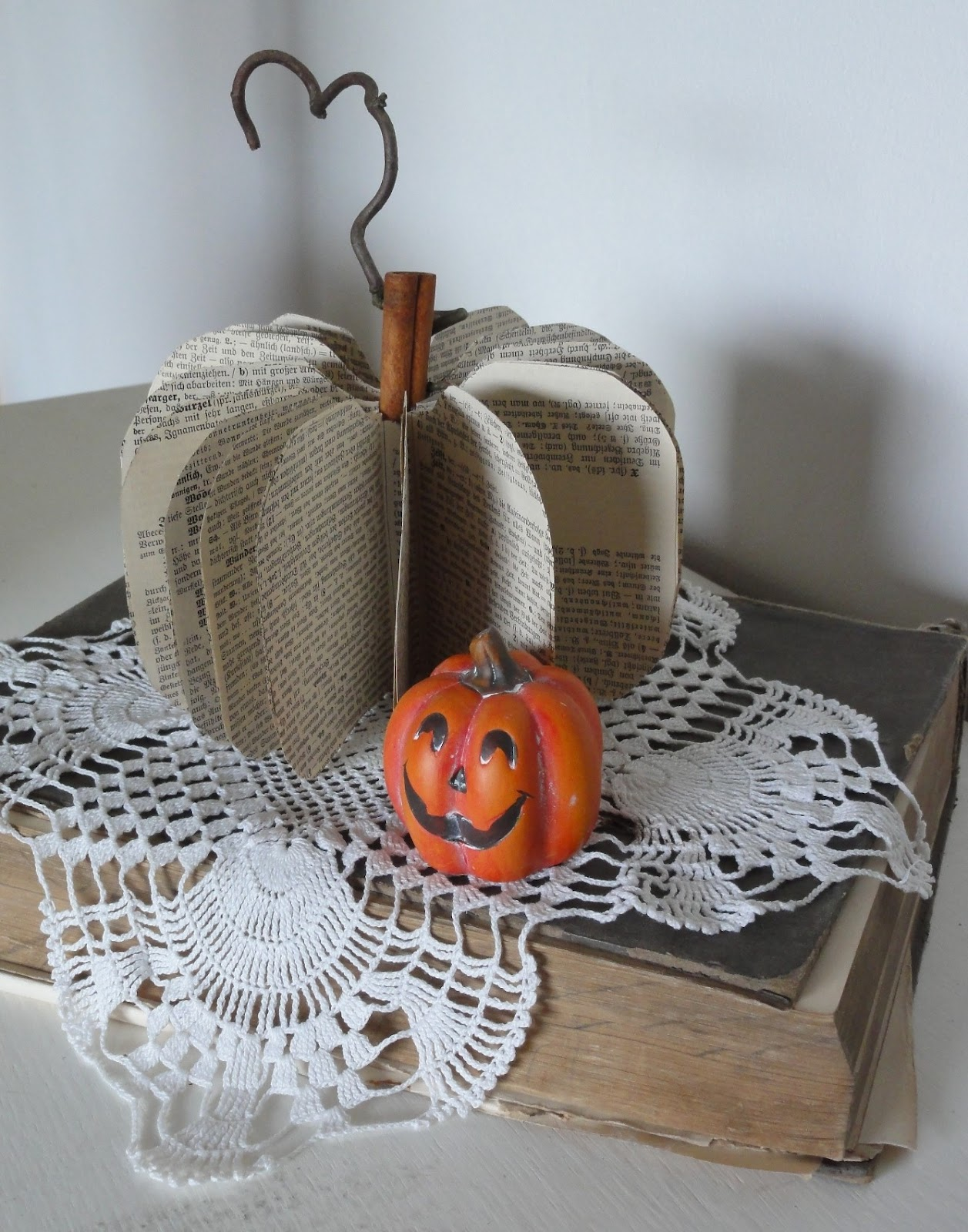 shabby chic brocante shabby halloween. Black Bedroom Furniture Sets. Home Design Ideas