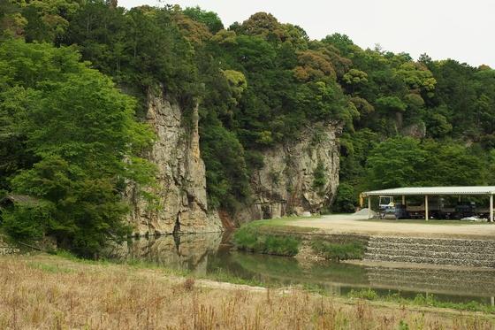 屏風岩(猪名川渓谷県立自然公園)