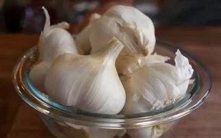 Ανακαλύψτε τις αντικαρκινικές ιδιότητες του σκόρδου