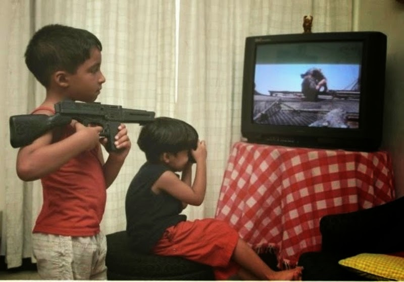 television violence negatively impacts children essay