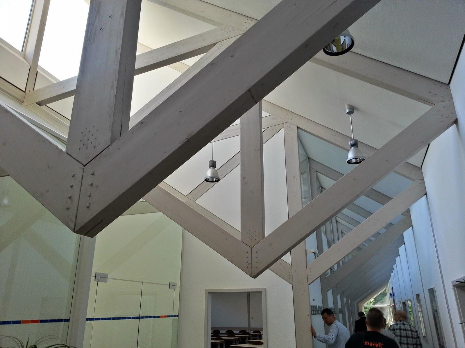 Centrum szkoleniowe jest w konstrukcji lekkiej drewnianej