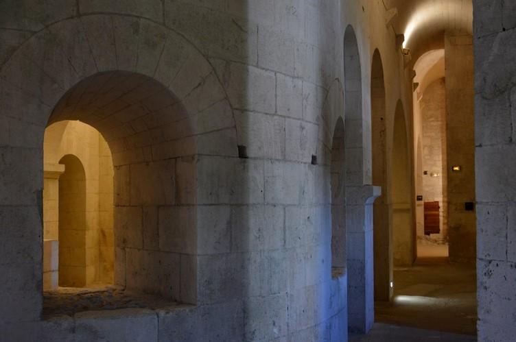 1 La Crypte - Montmajour