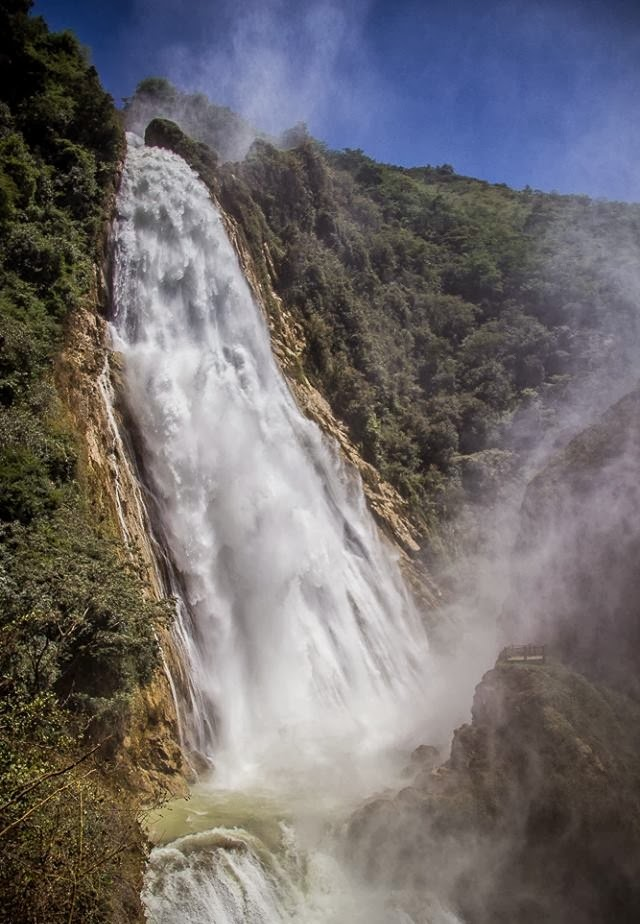 "<img src="" elchiflonwaterfalls.jpg"" lt=""http://dailytravelexperience.blogspot.com//"" />"