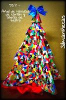 cómo hacer un árbol de navidad reciclado