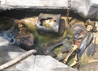 Pirate's Lair Disneyland skeletons Tom Sawyer Island chest gold