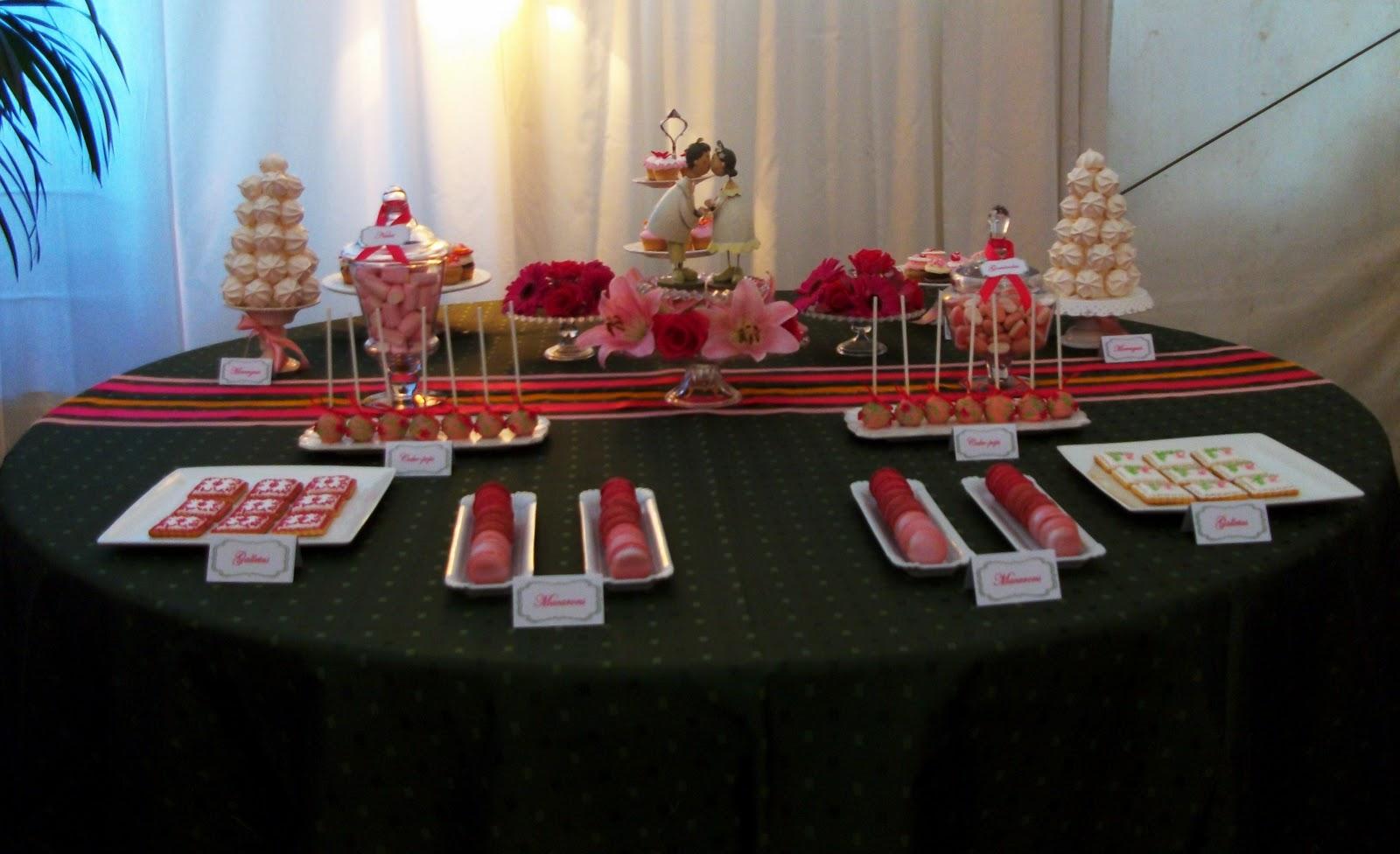 tradicional tarta de bodas prepare esta exquisita mesa de dulces con