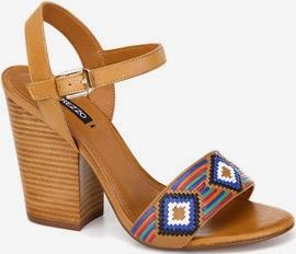 Arezzo verão sandália de couro com estampa étnica