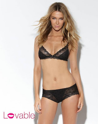 Hot Jennifer Hawkins Beautiful Lingerie Photos