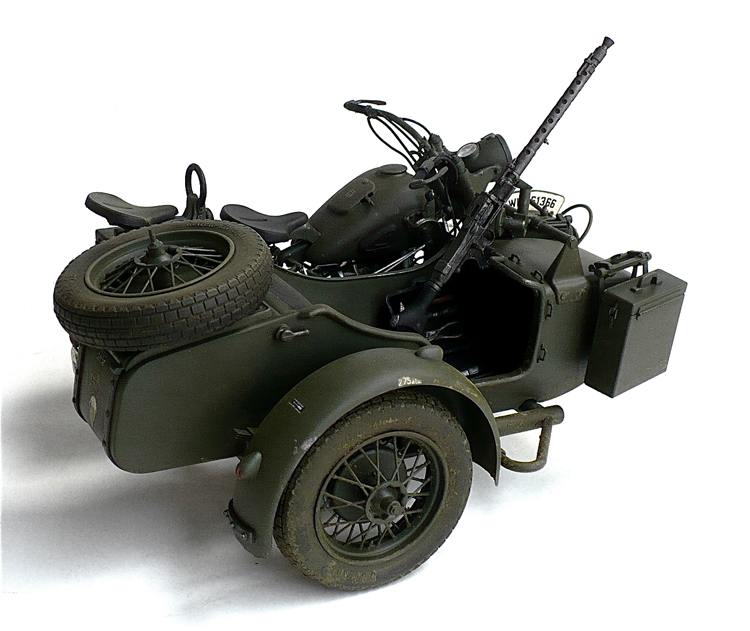 the great canadian model builders web page bmw r75 with sidecar. Black Bedroom Furniture Sets. Home Design Ideas
