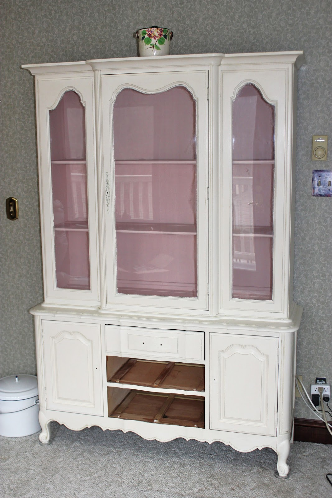 How Much Paint Do I Need For A China Cabinet