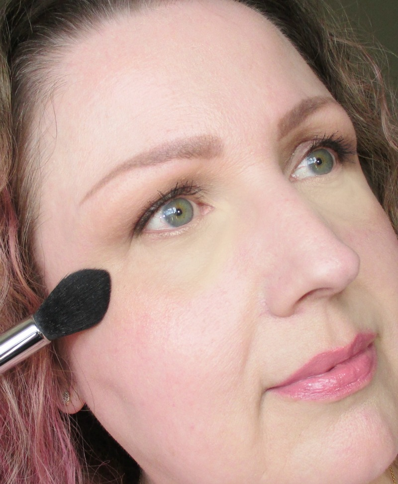 Becca X Jaclyn Hill Shimmering Skin Perfector Pressed - Champagne Pop - On Face notesfrommydressingtable.com