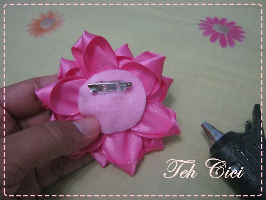 18 this is it bros bunga cantik dari pita siap mempercantik penampilan