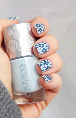 argyle nail art play it blue Catrice