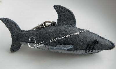 filcowy rekin breloczek