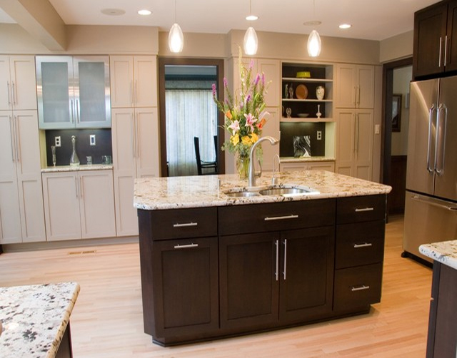 Simplifying remodeling 8 top hardware styles for shaker for Kitchen cabinet styles