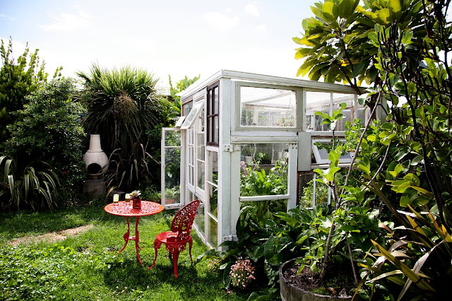 Reciclando un invernadero muy especial decoraci n for What is a greenhouse made out of