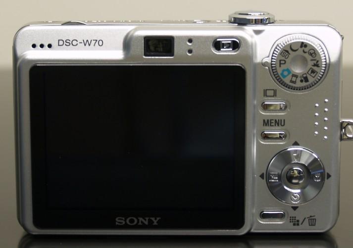 Vende-se esta Câmera Digital Sony Cyber-shot - 7.2 Megapixels. Perfeito estado de conservação.