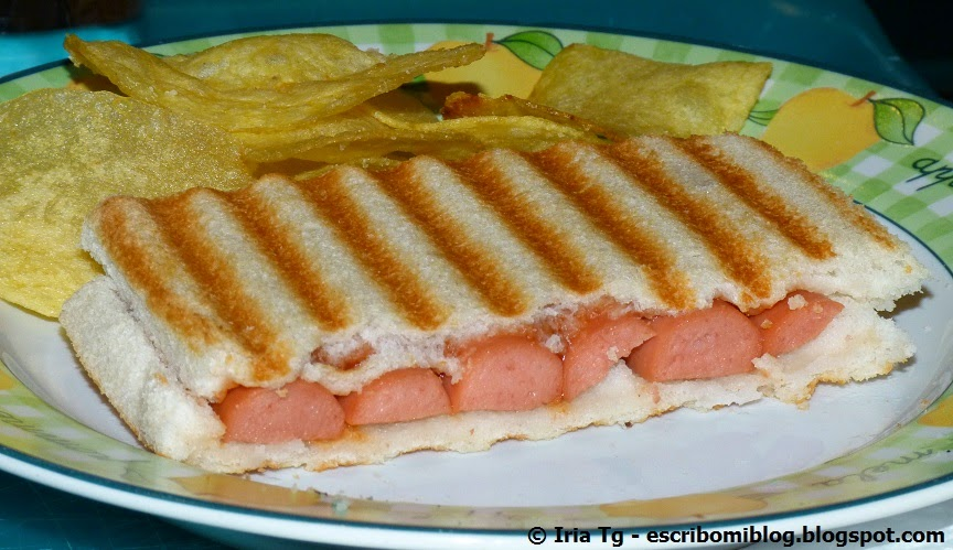 sandwich de salchichas, cena para niños
