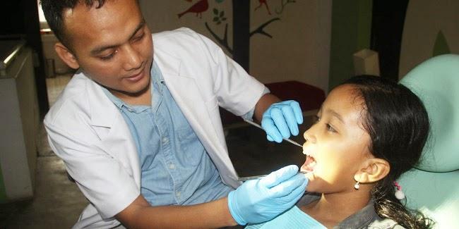 Kesehatan : Merawat Gigi sejak uia Dini