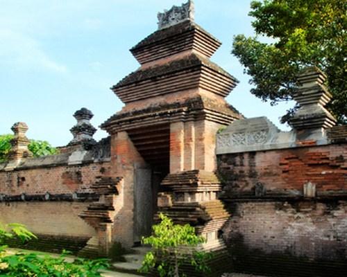 Kompleks Makam Raja-Raja Mataram
