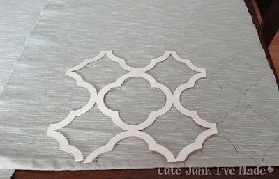 quatrefoil painted placemat how to stencil