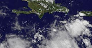 Satellitenbild Dominikanische Republik: 97L koennte Punta Cana und Cabarete satten Regen bringen, Sean, Dominikanische Republik, Punta Cana, Puerto Rico, Satellitenbild Satellitenbilder, Oktober, aktuell, 2011, Hurrikansaison 2011, Wettervorhersage Wetter,